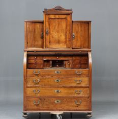 A neoclassical oak cylinder/roll-top desk with upright section - Denmark - circa 1820
