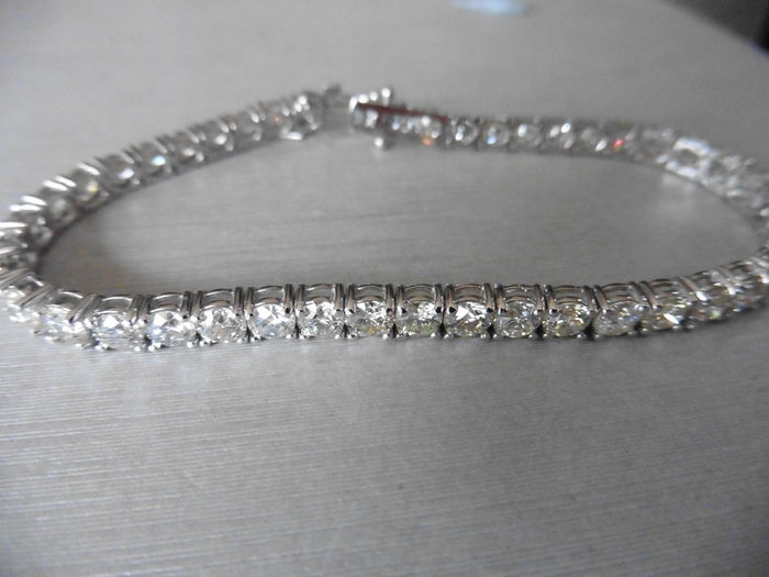 18k Gold Diamond Tennis Bracelet - 10.50ct