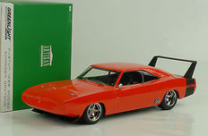 Greenlight - Scale 1/18 - Dodge Charger Daytona Custom 1969