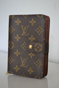 Louis Vuitton – wallet
