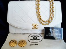 "Lot of 2: Chanel - Classic flap ""medium"" handbag and Chanel Matelassé clip earrings - *No Reserve Price*"