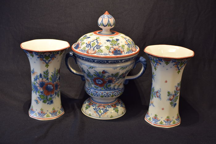 Zenith - Two vases and one lidded pot