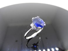 18k Gold Sapphire and Diamond Ring - size 53 ***No reserve***