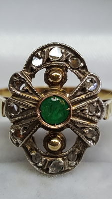 14 kt yellow gold women's ring, set with rose diamond and emerald