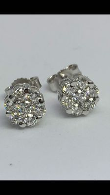 Earrings in gold and diamonds - colour: G - clarity: VS - 0.47 ct
