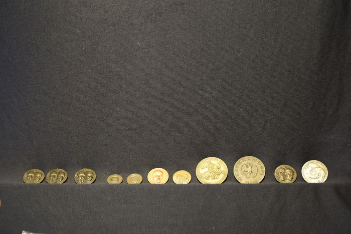 Various designers – lot with 11 medals.
