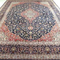 "Keshan – 404 x 306 cm – ""Impressive oversized Persian carpet – Cork wool – Exclusive eye-catcher in beautiful, nearly unwalked upon condition"""