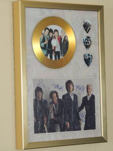 Lot Rolling Stones Memorial Gold Plated Disc with Printed Signed Picture And 3 Special Guitar Pics and two Stones Two Original 50th Annerversary Stones Dollars