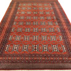 "Bouchara – 298 x 200 cm – ""Finely knotted Persian carpet in brick red, in a very beautiful condition"""