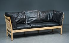 Skippers Furniture – three-seater sofa, Kadett model.