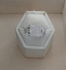 Cocktail ring with diamonds, 1.29 ct and set in white gold - ring size 53