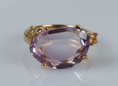 18 kt yellow gold ring with amethyst, peridot and sapphire – size 14