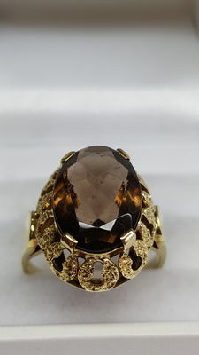 14 kt yellow gold women's ring set with smoky quartz
