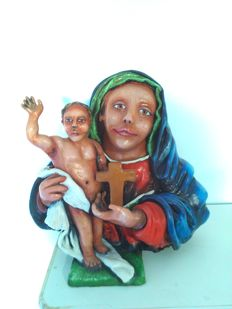 Madonna with child greeting - artist terracotta sculpture by Antonio Cariola, 2016, hand painted with acrylic colours