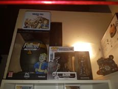 Very big lot of Fallout/Elder Scrolls games and collectables items