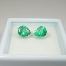 1.08 ct total - Pair Emerald