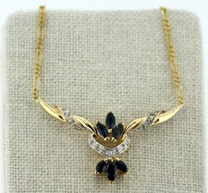 18K yellow gold ladies necklace with diamonds (0.22 ct) and blue sapphire (0.18 ct), ca.1960