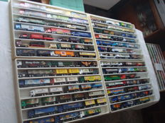 Numerous Brands - Scale 1/86 - Lot with 84 Models: Brewery Trucks, Advertising Trucks, some Classic Trucks and Rarities, in Collection Boxes