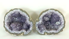 Amethyst geode with calcite - ca. 16 x 14 x 15 cm - 3088 gm