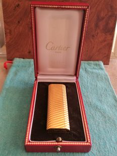 18 ct laminated gold Cartier lighter, mid 70s