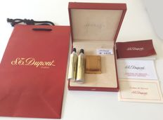 ST Dupont lighter plated gold with 2 gas refills