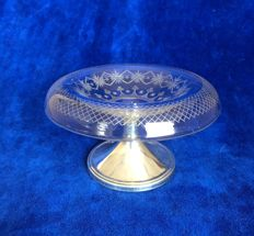Cut antique crystal tassa on silver base with decorative edge, C. J. Begeer, Utrecht, circa 1880.