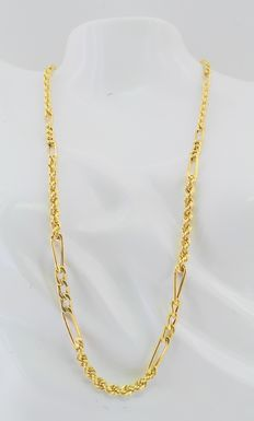 18 kt yellow gold – Braided cord combined with links – 12.5 g – Measurements 49 cm