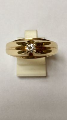 14 kt gold men's ring with diamond, 0.15 ct, ringsize 22.25 mm (70)