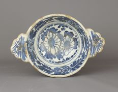 "A Blue and White Dutch Delft ""Porridge Bowl"", Haarlem, circa 1600"