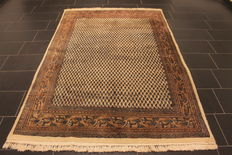 Magnificent handwoven Oriental palace carpet, Sarough Mir, 165 x 250 cm, made in India, excellent highland wool