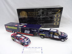 Brookfield Collectors Guild - Scale 1/24 - Nascar Ford Crew Cab, Enclosed Trailer & Stock Car