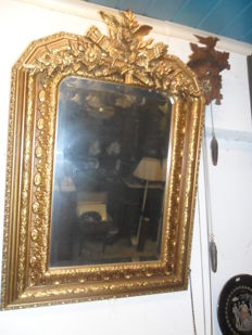 A gilt wood and gesso mirror - Greece - Middle 20th century