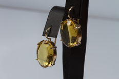 Yellow gold earrings with quartz – 3 cm