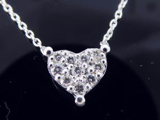 14 kt white gold pendant with 10 diamonds with a total of 0.30 ct