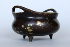 Incense burner made of bronze with three legs and two handles with gold splash look - China - probably 18th/19th century