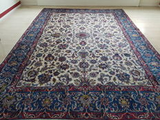 Wonderful, large, antique Persian Isfahan in beautiful colours