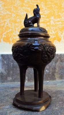Brown bronze incense burner – Japan – Beginning of the 20th century