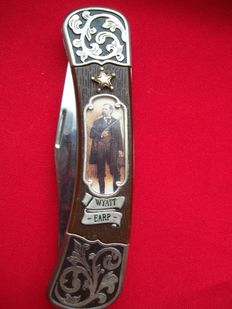 Wyatt Earp - Franklin Mint Collectors Knife - 24 carat gold plated and silver plated.
