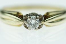 14 karat gold solitaire ring with brilliant cut diamond, approx. 0.20 ct, ring size 18