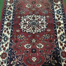 No reserve price, 1 €!! An old hand-knotted Persian carpet - Bakhtiari, 210 x 142 cm, around 1960