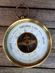 French standing barometer with early Vidi-mechanism.