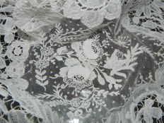 Antique lace cloth from Brussels - 19th century