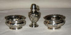 An early George V silver condiment set with mark of W.& H, Sheffield - 1912