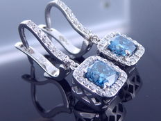 18 kt gold ear studs - fancy intense blue colour diamonds, 1.50 ct & diamonds, 0.30 ct in total ***No reserve price***