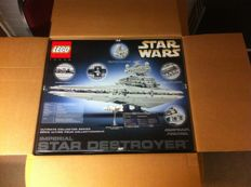 Star Wars - 10030 - Imperial Star Destroyer - UCS