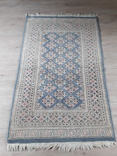Beautiful Hand-knotted Oriental - Bukhara 154cm x 95cm No reserve Price! Don't miss it!