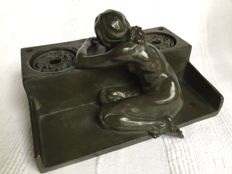 George Morren (1868-1941)  -Bronze Art Nouveau Inkwell, a scene in which a naked woman writes a letter on the edge of a well