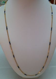 18 kt gold women's necklace, with handmade blue-coloured inserts on the gold - 1970s.