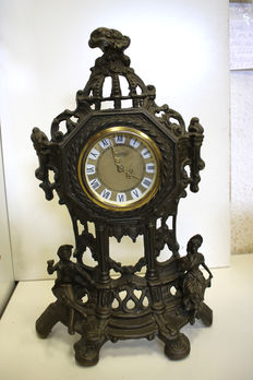 Antique bronze fireplace/table clock decorated with inset decor, very fine – circa 1960