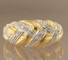 Bi-colour 18 kt gold ring with twelve single cut diamonds of approx. 0.06 carat in total, ring size 16.5 (52)
